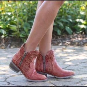 Circle G Corral Red cutout boots Q0003 new
